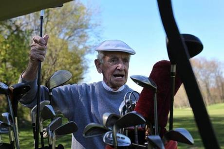 2013-01-14-3-old-golfers-featured-image