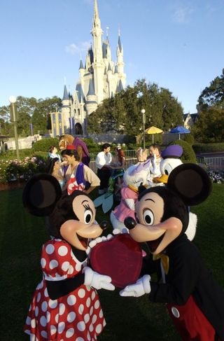 December 4 - couples-in-love-at-disney-world-760376