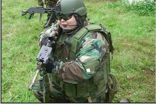 619200820544PM_amnnnerican_fat_soldier